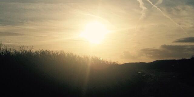 Aan het einde van de dag, genieten van de ondergaande zon op het strand bij Domburg. Enne kijk eens is het geen plaatje?